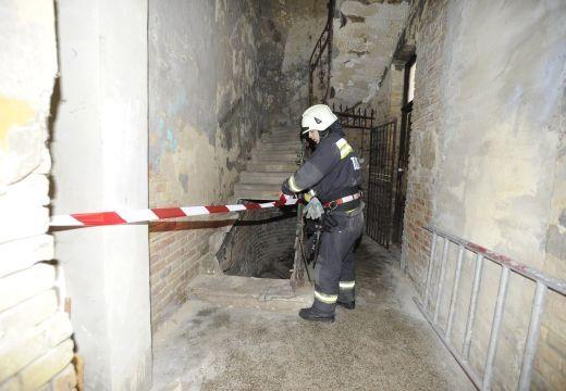 Tűz és robbanás egy marosvásárhelyi tömbházban