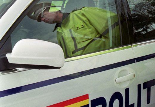 Ritka snassz: nincs pénz megtankolni a rendőrségi kocsikat!