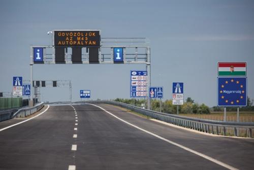 Anul viitor va fi terminat a doua autostradă din Ungaria care ajunge până la graniţa cu România