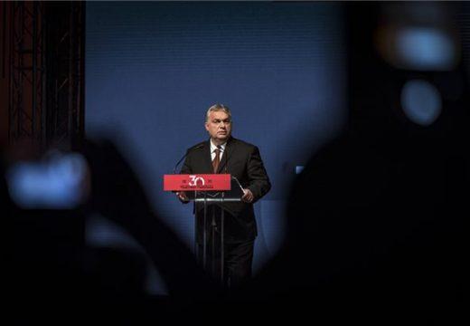 Új Közép-Európát vizionál Orbán Viktor