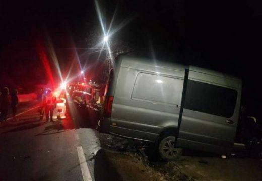 Frontális baleset két halottal