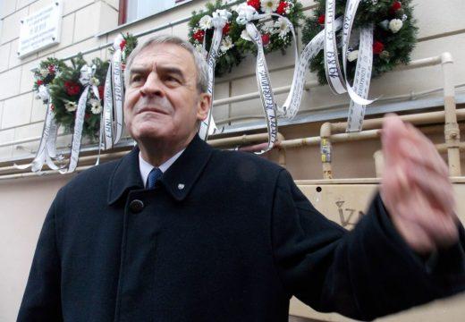 László Tőkés a câştigat procesul împotriva foştilor conducători ai serviciilor secrete care l-au numit spion al Ungariei