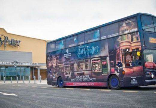 Koronavírus. Nem várt helyzetbe kerültek a Harry Potter-buszok