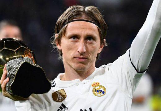 Az aranylabdás Modric a Real játékosaként búcsúzna