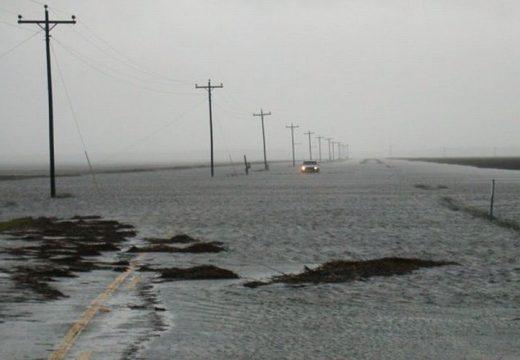 Leállt a forgalom Maros megyében a vihar miatt