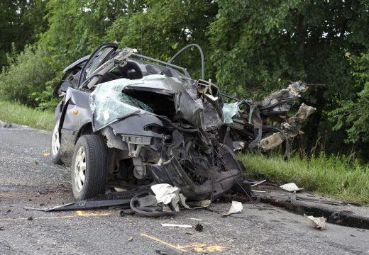 Kamionnal ütközött a személygépkocsi – 1 férfi meghalt