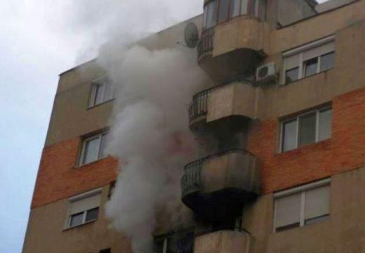 Tűz miatt kiürítettek egy tömbházat Dicsőszentmártonban