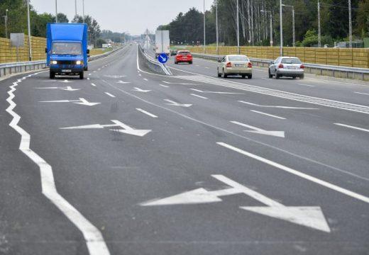 Átadták a 471. számú főút Debrecen-Hajdúsámson közötti, négysávosított szakaszát