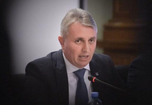 Balesetezett a közlekedési miniszter