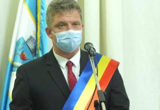Beiktatták hivatalába Marosvásárhely új polgármesterét, Soós Zoltánt