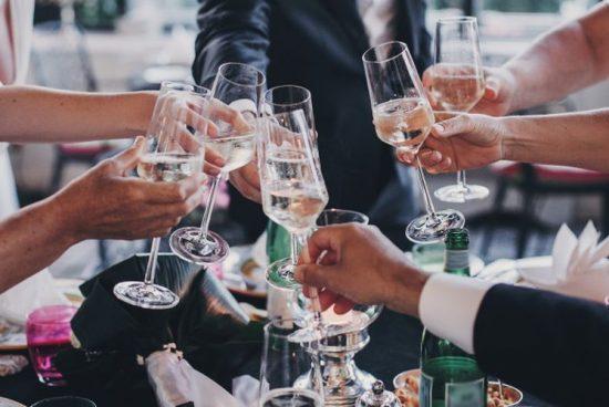 Betiltották az esküvőket és keresztelőket