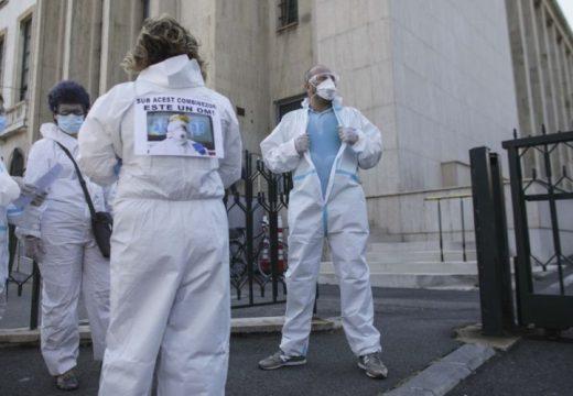 Kimerültek, nem bírják a küzdelmet a koronavírussal