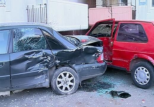 Négy autóval ütközött a Dózsa György utcában