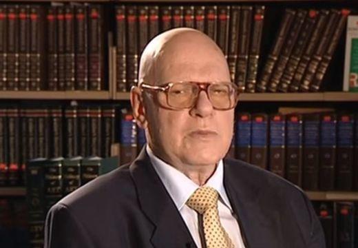 Kígyómarás miatt meghalt a volt művelődési miniszter, Răzvan Theodorescu fia