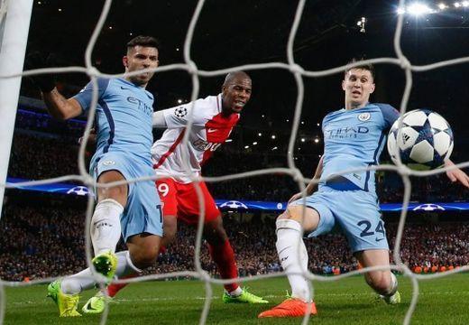 Fergeteges BL-kedd: 8 gól Manchesterben!