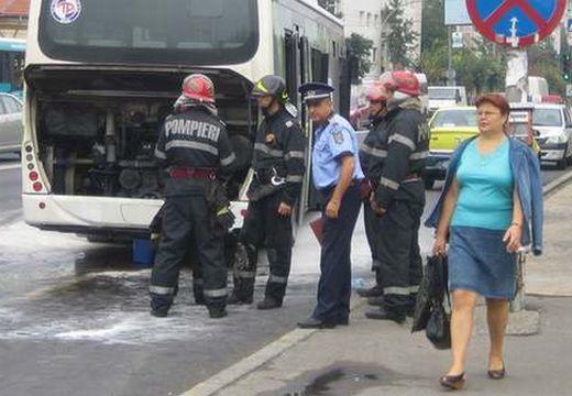 Kigyulladt egy utasokat szállító autóbusz Marosvásárhelyen