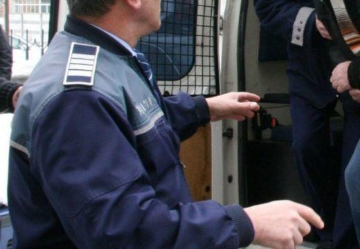 Előzetes letartóztatásban egy marosludasi tanár