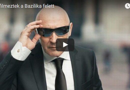 Pataky Attilát egy UFÓ dobta le a Bazilika elé – videó