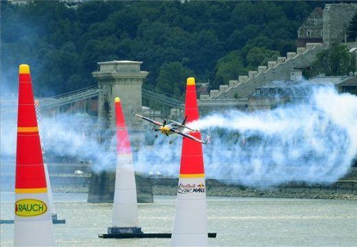 Red Bull Air Race: Kirby Chambliss nyert Budapesten