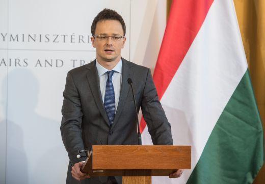 """Magyar külügyminiszter: """"Gyerekeink és unokáink életét is befolyásoló döntések éve lesz 2018"""""""