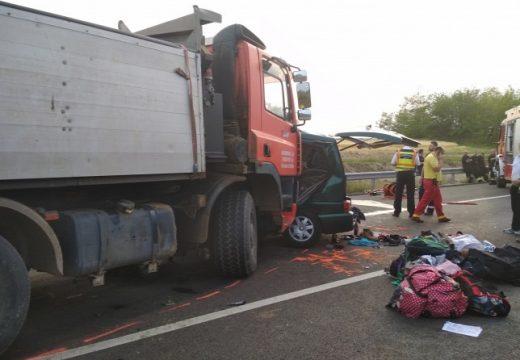 Maros megyei kisbusz balesete Ceglédbercelnél – 9 halott!