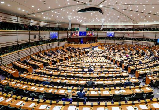 Lengyelország ellenzi az uniós támogatások kifizetésének jogállamisági feltételekhez kötését