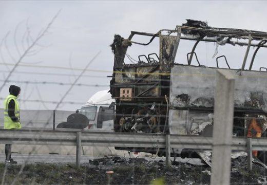 Kigyulladt és leégett egy busz az M0-son Szigetszentmiklósnál