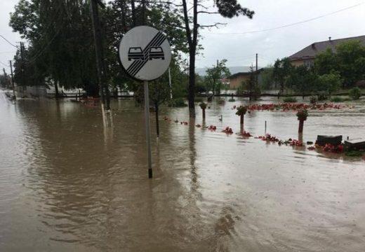 Áradást okozott a vihar Marosfelfaluban és Szovátán