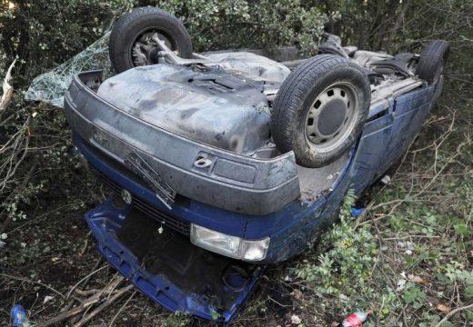 Vaddisznó miatt felborult egy kisbusz – 6 sérült