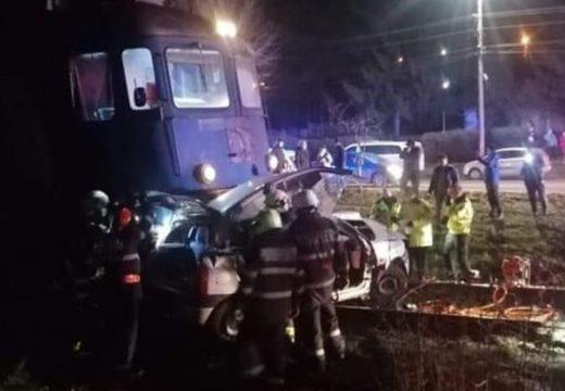 Vonat elé hajtott, meghalt