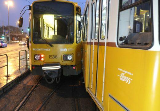 Összeütközött két villamos Budapesten