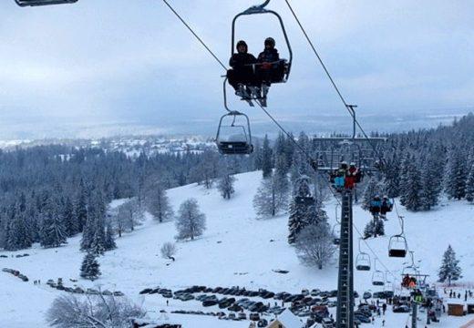 Székelyvarságon átadták a Hargita-hegység első ülőliftes sípályáját