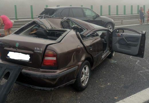 Tömegbaleset: 55 kocsi ütközött a tengerpartra vezető autópályán