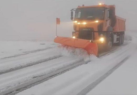 Tíz centis hó a Transzfogarason!